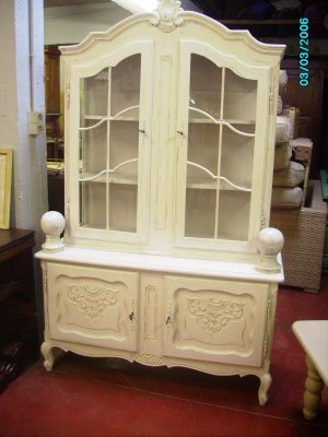 vitrine louis xv patine blanc cassee prix vendu blog de decapagepatine. Black Bedroom Furniture Sets. Home Design Ideas